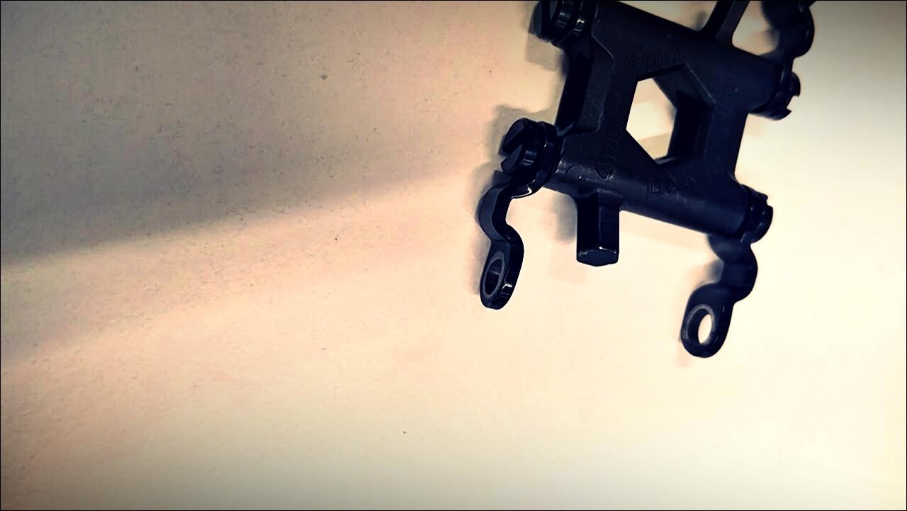 나사 빠진 트레드-'레더맨 트레드 & 페블 2 SE (Leatherman Tread & Pebble 2 SE)'
