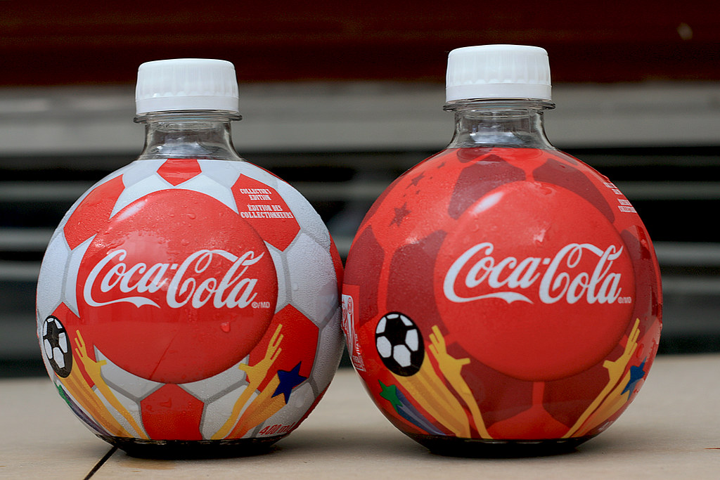 2010 fifa world cup commemorative soccer ball shaped coke