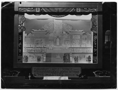 hmv 363 Oxford Street, London - Turandot opera window display 1920s