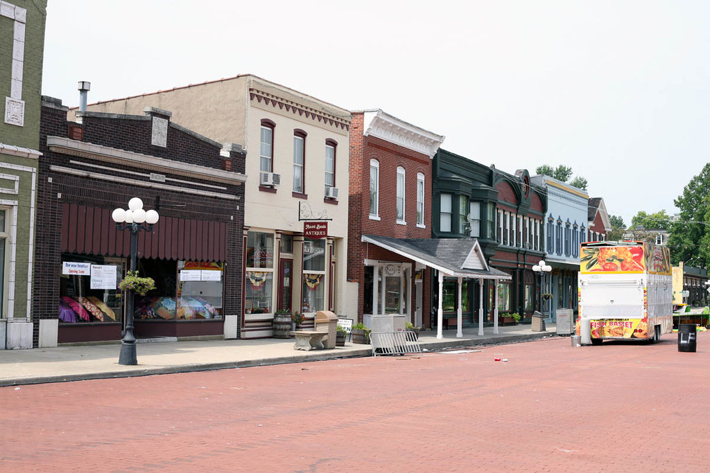 Main Street In Lebanon Illinois Www Scoutingny Com P
