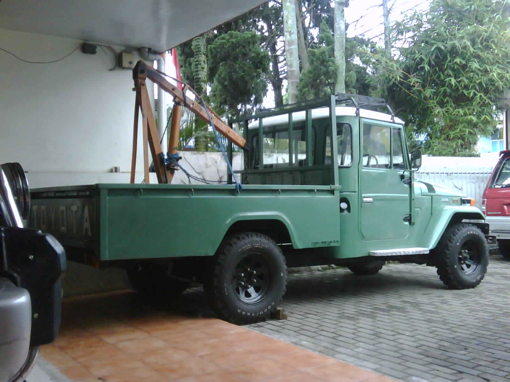 dijual 75jt toyota land cruiser pick up long chassis 197. Black Bedroom Furniture Sets. Home Design Ideas