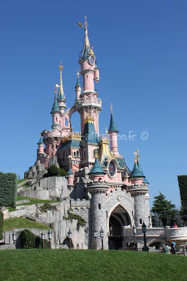 le chateau de disneyland paris parc d parc d 39 attraction flickr. Black Bedroom Furniture Sets. Home Design Ideas
