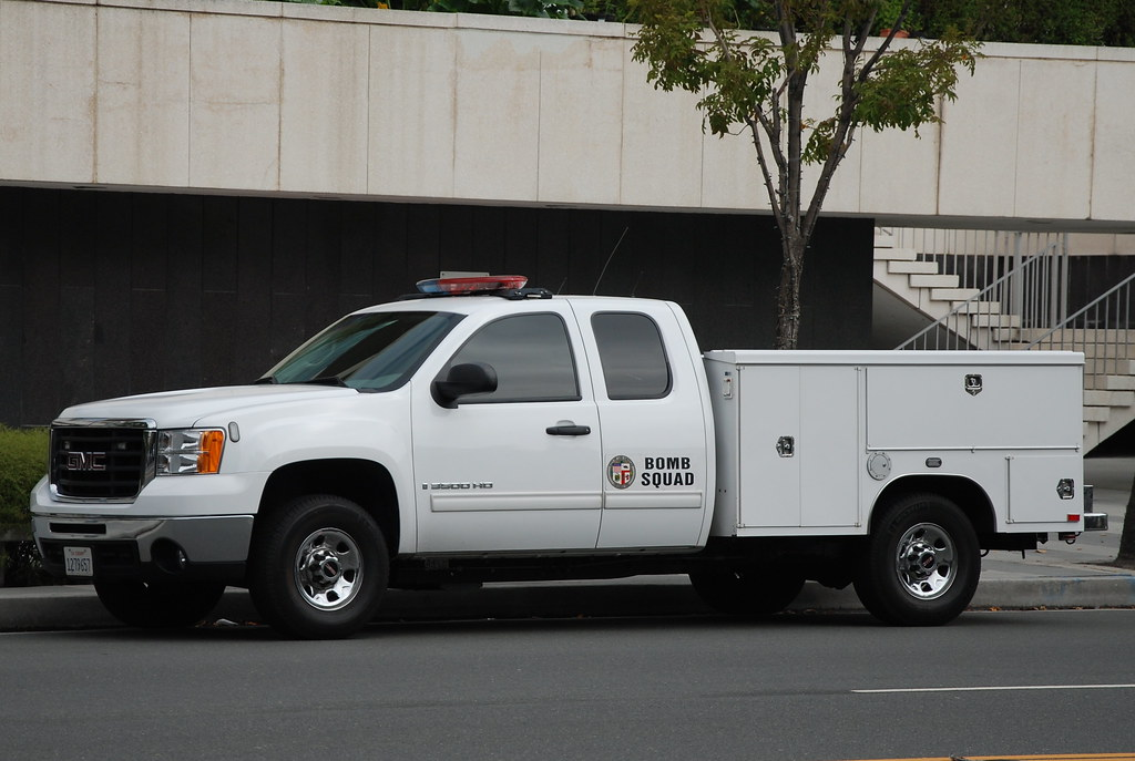 LOS ANGELES POLICE DEPARTMENT (LAPD) BOMB SQUAD - GMC WORK ...