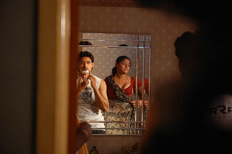 Mallu Aunty  Tamil-Movie-Actress-Picsblogspotcom -9320