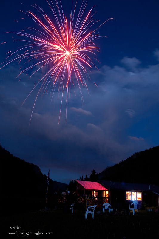 Mountain Fireworks | Fireworks of red, white and blue in ...
