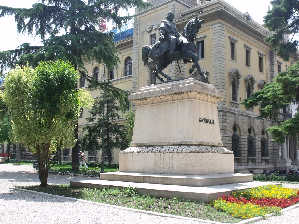 Statue Of Garibaldi In Piazza Indipendenza  Verona
