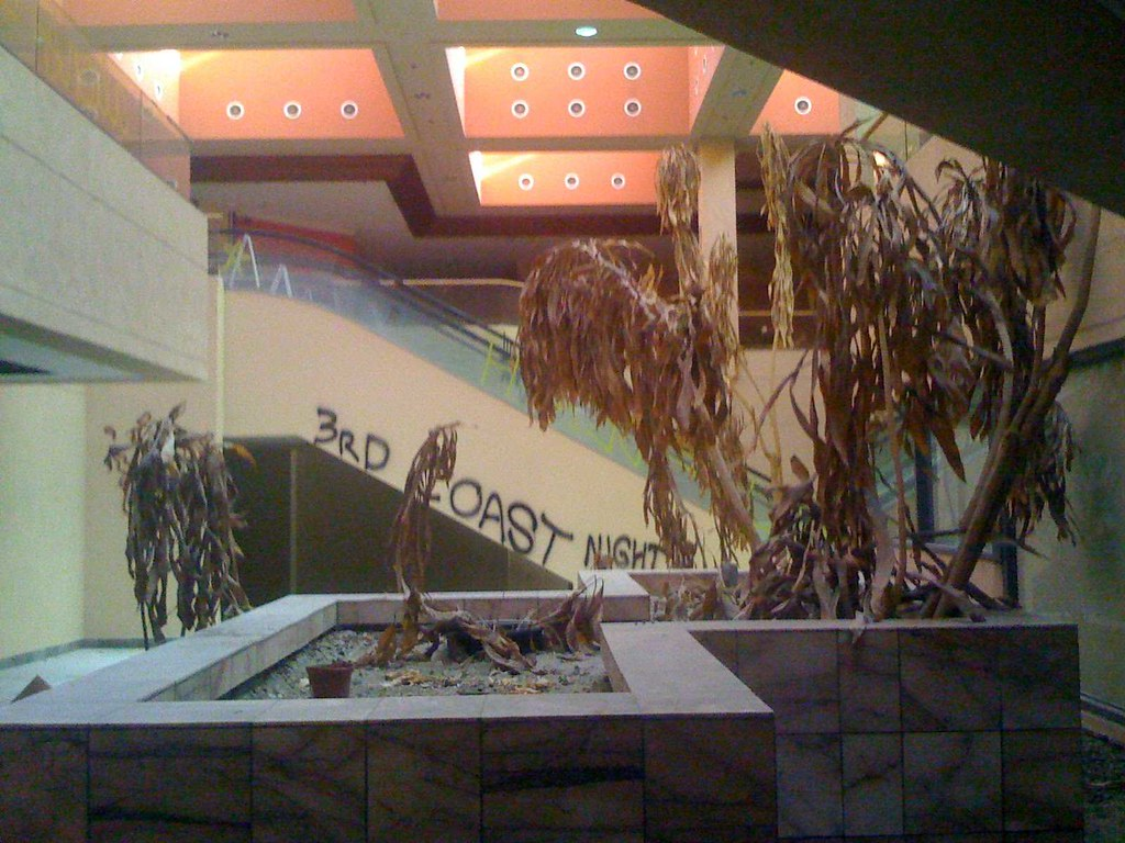 Desert Fashion Plaza Photos Desert Fashion Plaza dead