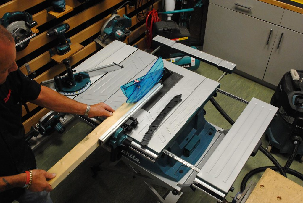 makita mlt100 table saw for more info flickr. Black Bedroom Furniture Sets. Home Design Ideas
