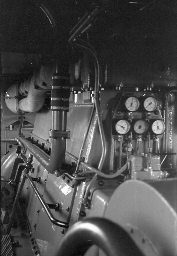 93-24 Sulzer engine | Engine room of NSU-61 on The Ghan 1955