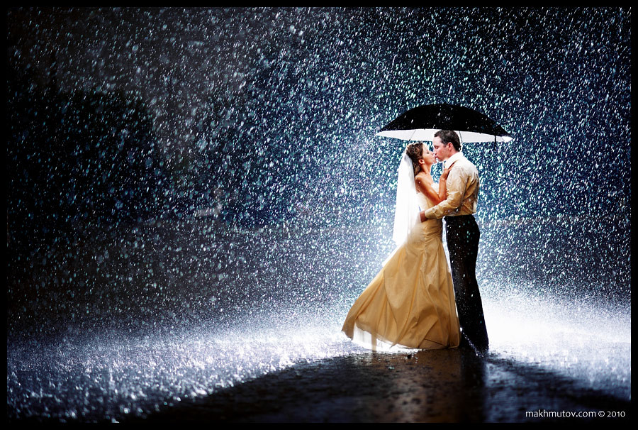 Images Of Lovers In Rain: Nikon D700 Nikkor 135 F/2 DC Single Bare SB
