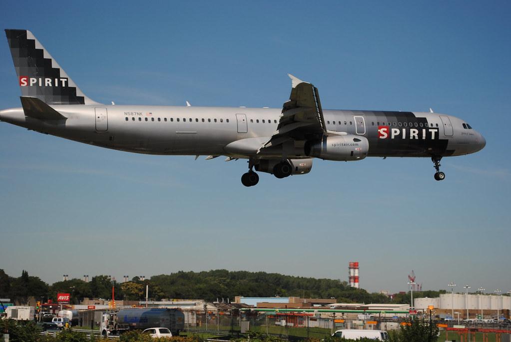 Spirit airlines a321 landing klga runway 4 spirit for Spirit airlines new york
