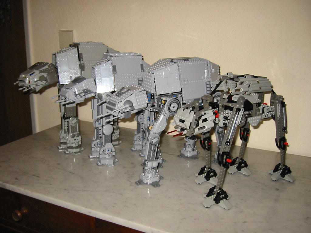 LEGO Star Wars: AT-AT Walkers   From left to right: 4483 AT ...