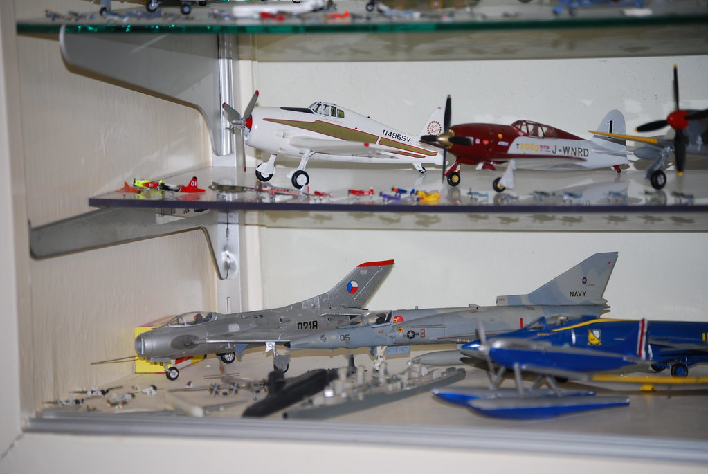 1/72, 1/144, 1/700 model airplanes, ships | Top row, large ...