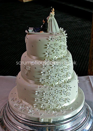 Wedding Cake 654
