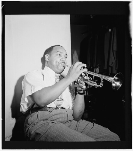 [Portrait of Benny Carter, Apollo Theatre, New York, N.Y., ca. Oct. 1946] (LOC) | by The Library of Congress