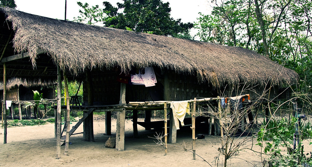 Mising tribal house the misings are an indo mongoloid for Best tribal house