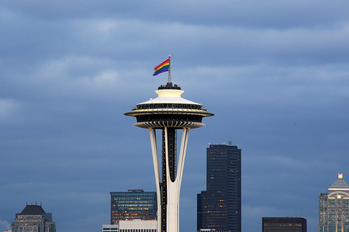 seattle evening space needle with pride flag david hogan flickr. Black Bedroom Furniture Sets. Home Design Ideas