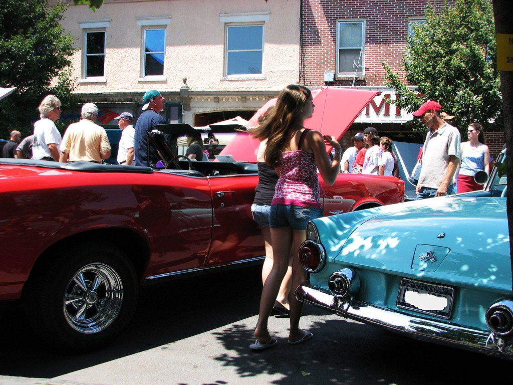 The sawyer motors car show in july 2010 a red gto girls for Sawyer motors used cars