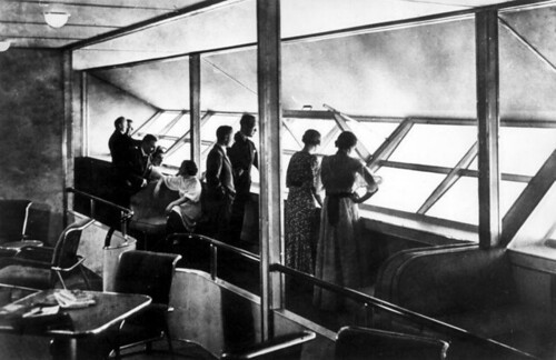 Interieur luchtschip Hindenburg / Interior of the lounge of airship Hindenburg | by Nationaal Archief