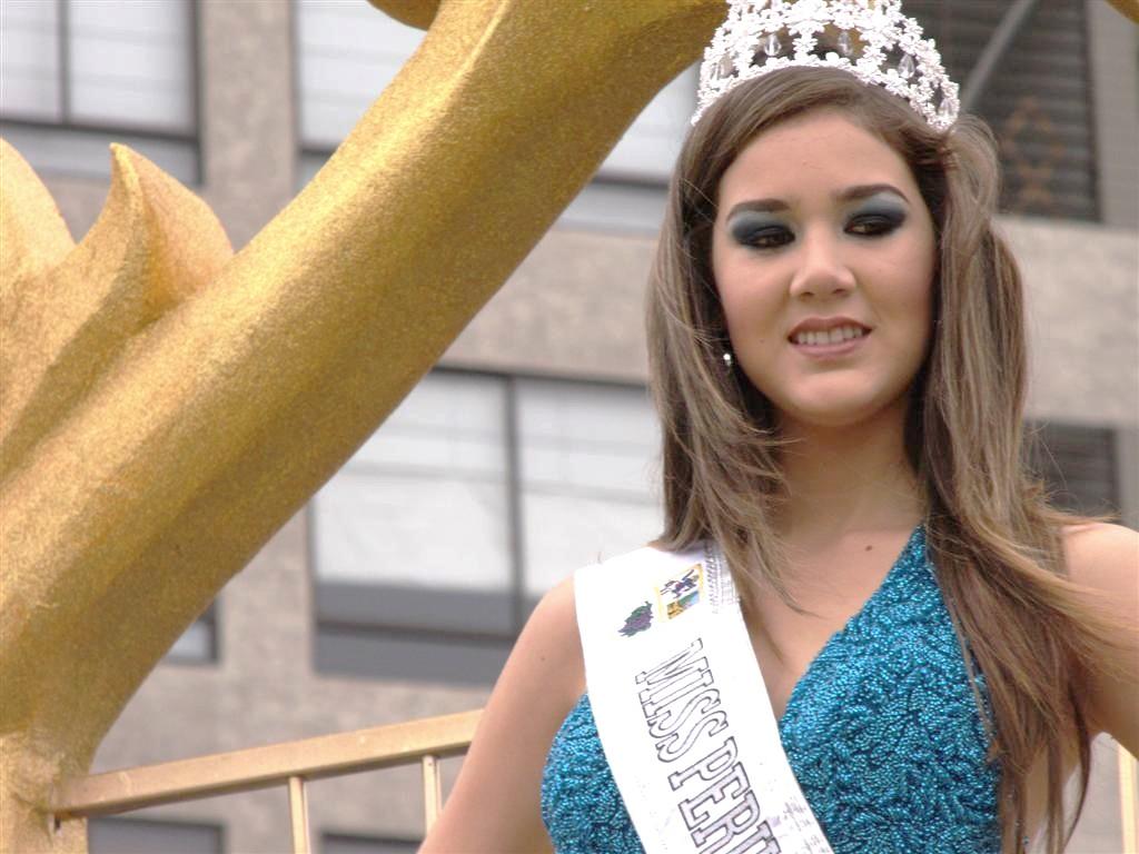 alexandra liao, miss mundo peru 2010. 4806934513_30b2c33544_b