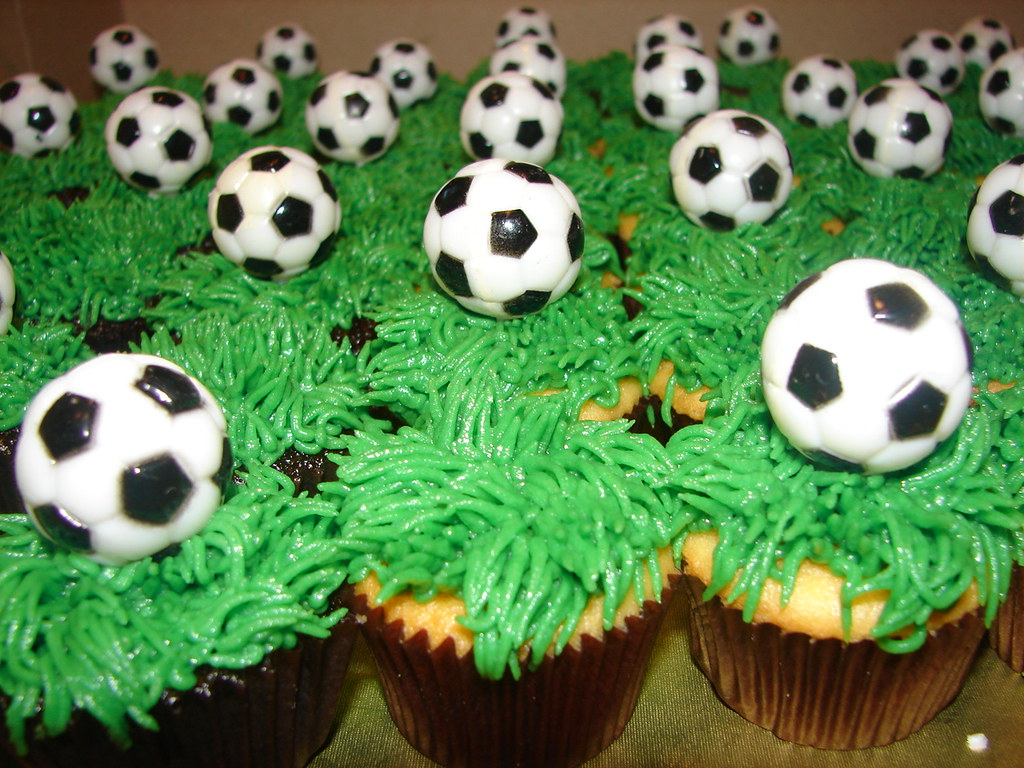 Soccer Ball Cupcakes with Grass | Soccer Ball Cupcakes ...