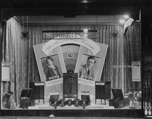 hmv 363 Oxford Street, London - His Masters Voice artsist London Appearances window display 1929