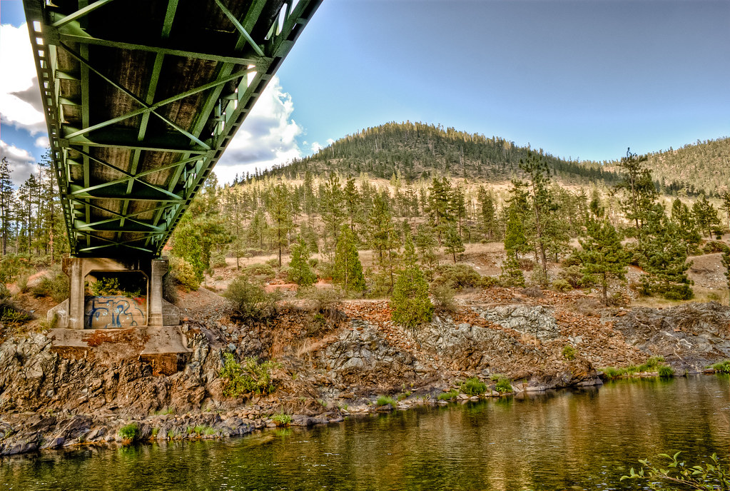 $8 Dollar Mountain Green Bridge Illinois River Oregon | Flickr