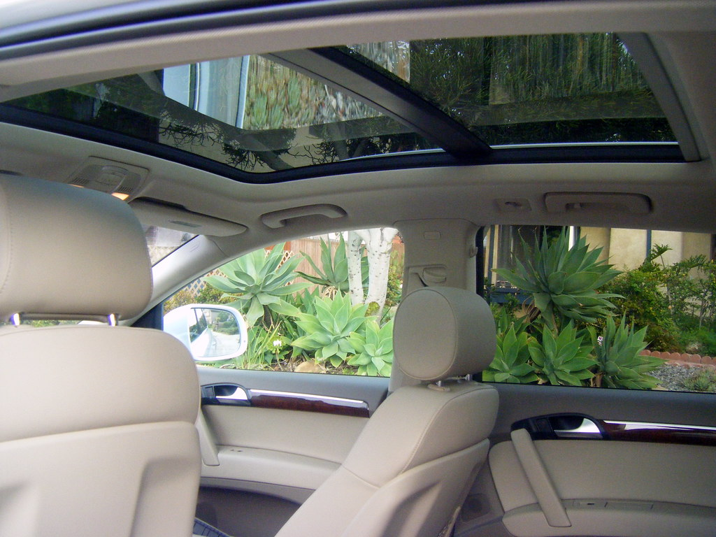 2010 Audi Q7 - Panorama Sunroof | Maria Palma | Flickr