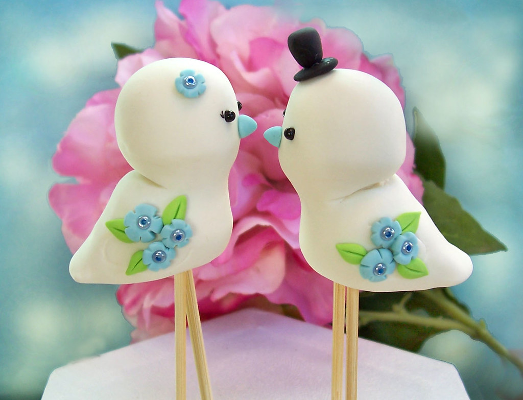Cute Love birds wedding cake toppers - Personalized detail… | Flickr