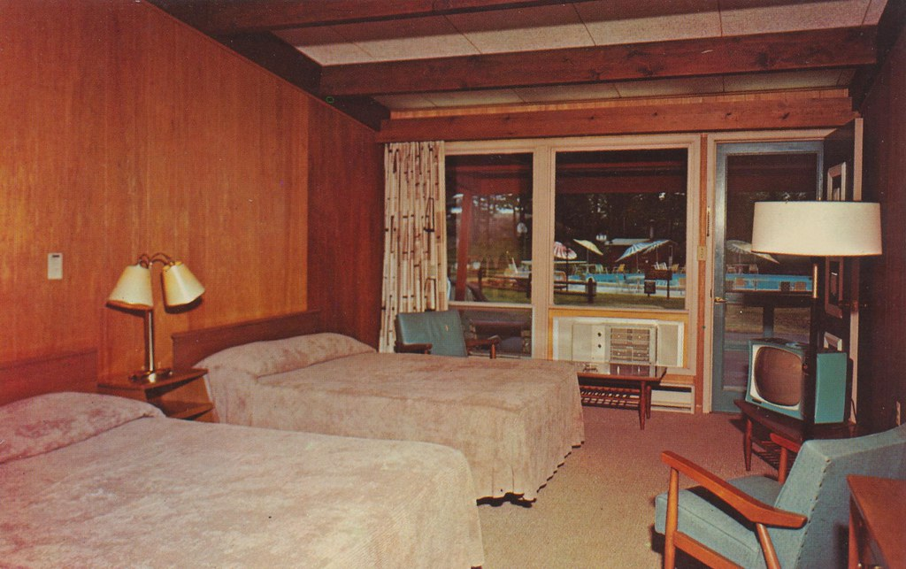 Edgewood Resort Hotel & Motel - Alexandria Bay, New York