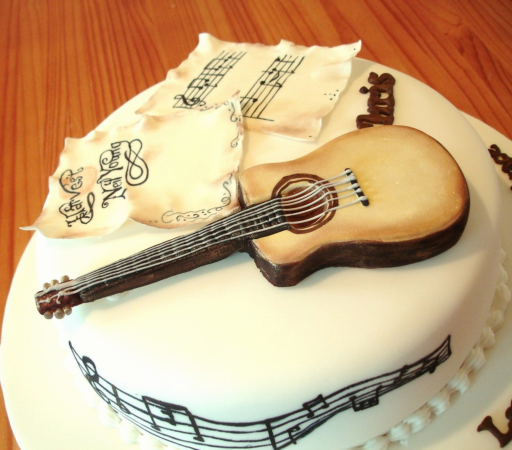 Guitar Cake Music notes A cake made for a friend who loves Flickr
