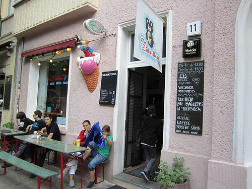 Der Eisbarliner Ice Cream Shop | by veganbackpacker