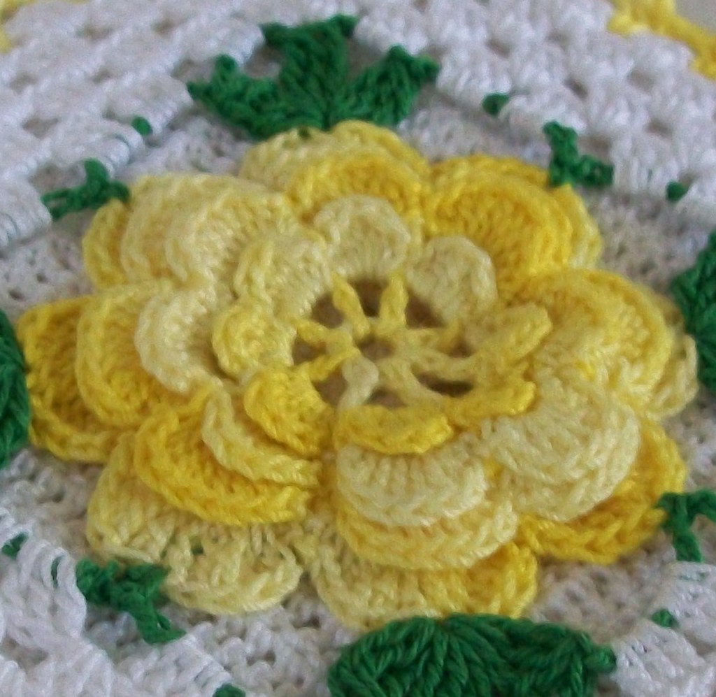 Loop And Hook >> Vintage Style Thread Crochet Potholder in Shaded Yellow | Flickr