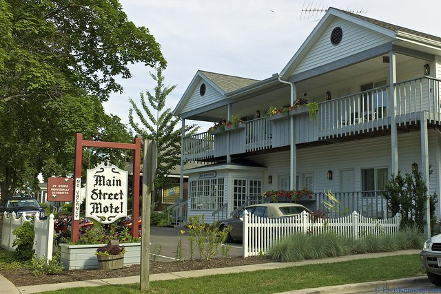 Main street motel flickr photo sharing for Fish creek wi weather