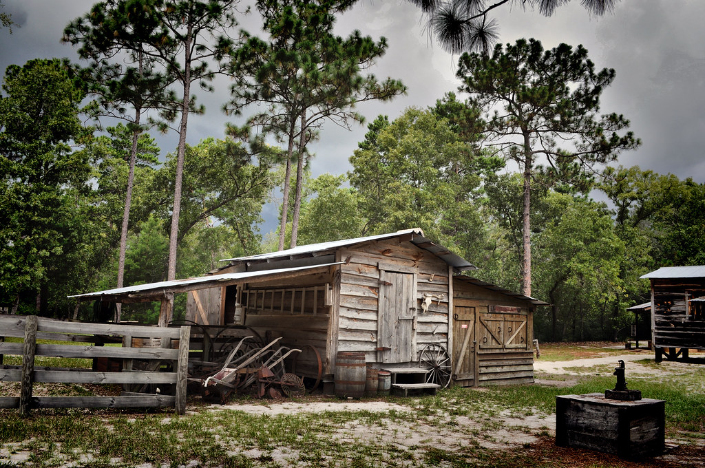 Old cabin at silver river state park ocala fl i took for Florida state parks cabins