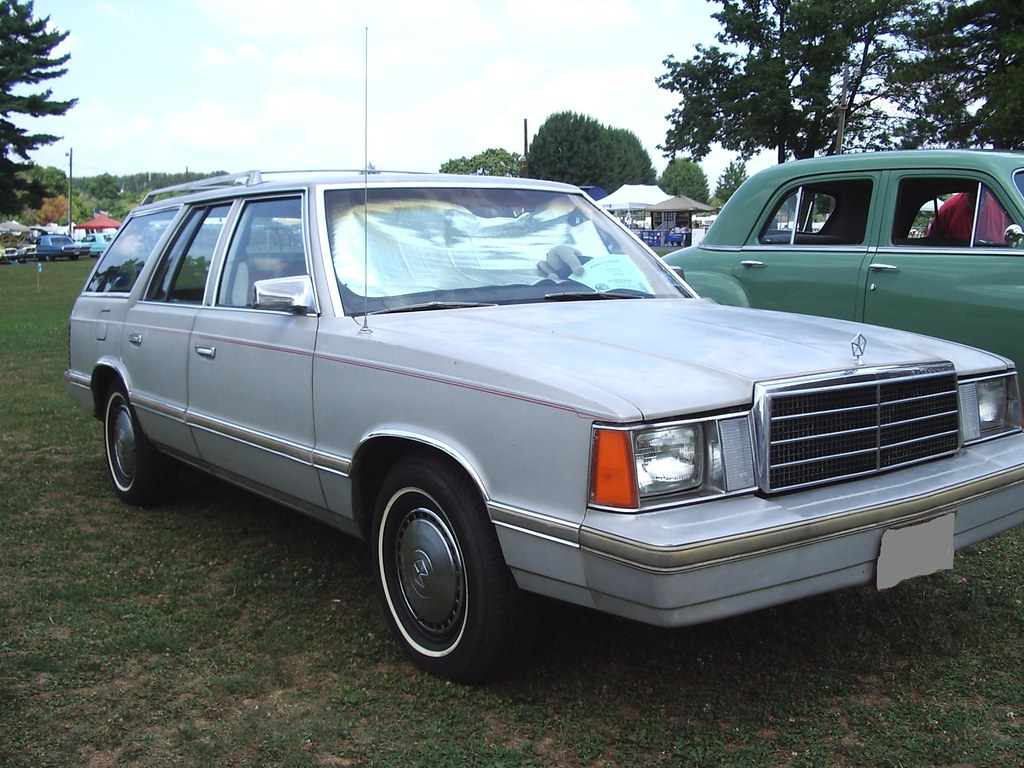 1983 PLYMOUTH RELIANT SILVER 1/24 DIECAST CAR MODEL BY ... |Plymouth Reliant White