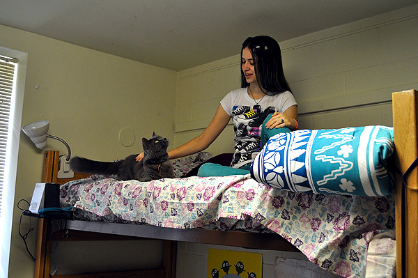 Stetson University Pet Dorm Students And Their Pets Move
