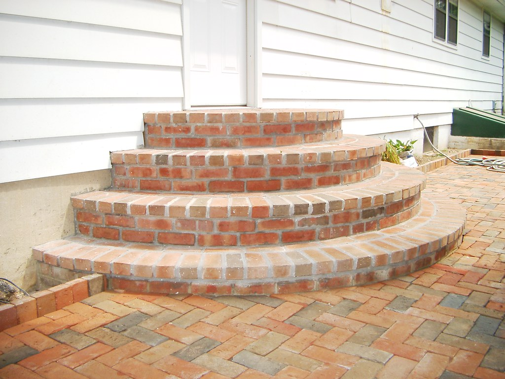 how to build a set of brick steps