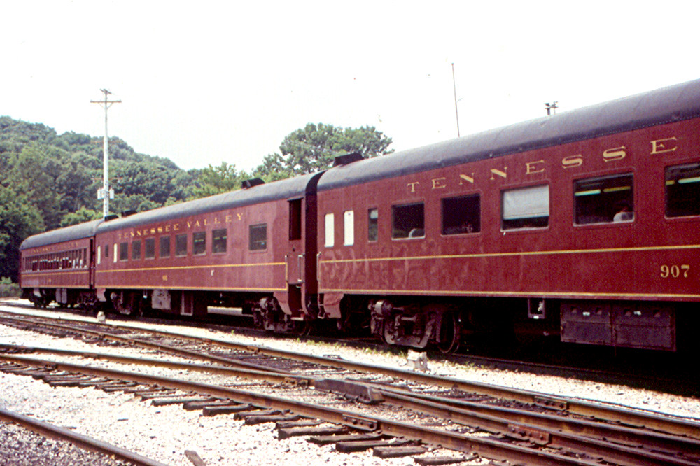 Old Cars Photos >> Chattanooga - Classic Railroad Cars on Tennessee Valley RR… | Flickr