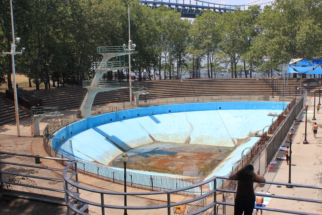 Astoria Park Pool And Play Center Astoria Queens The