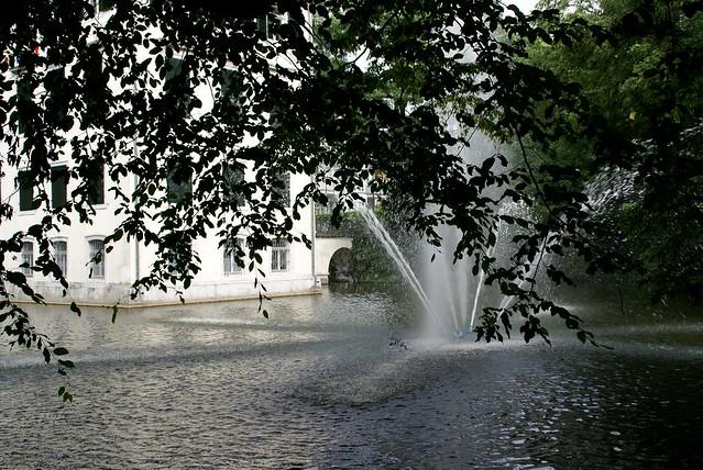 Holzhausen schlösschen und fontäne holzhausen castle and fountain