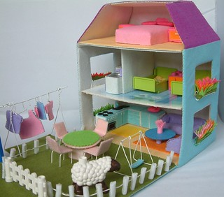 Felt toy pattern,doll house | by fairyfox