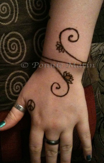 Mehndi Bracelet Easy : Henna bracelet flickr photo sharing