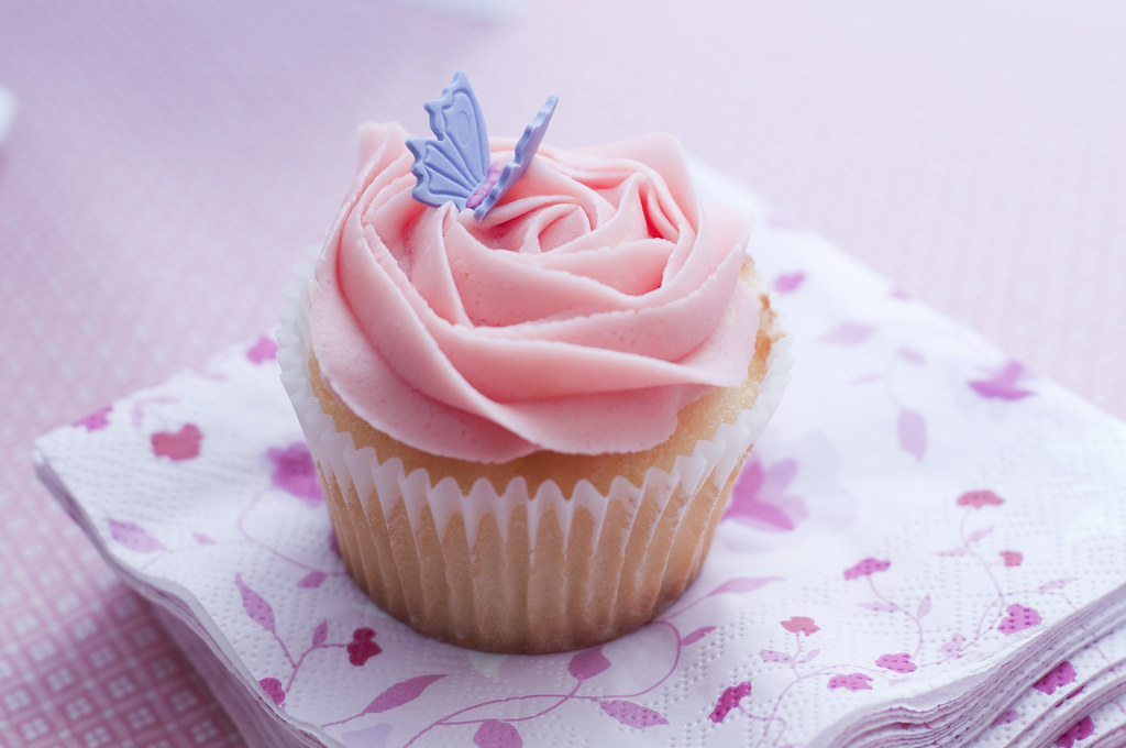How To Make A Butterfly Cupcake Cake