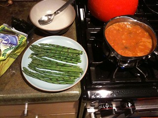 Dinner of a bachelor: canned lentil soup, frozen grilled asparagus and roasted seaweed. | by hizknits