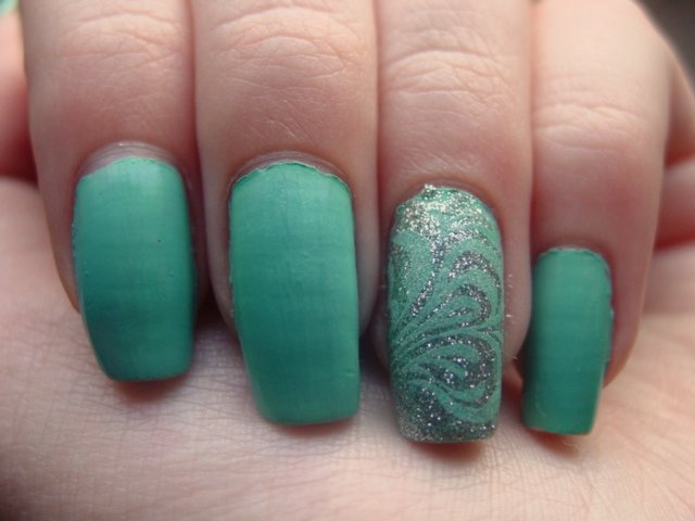 China Glaze For Audrey Silver Lining Konad M63 Swirl Des Flickr
