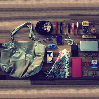 What's really in her bag ? August 2010 | by donchris!™