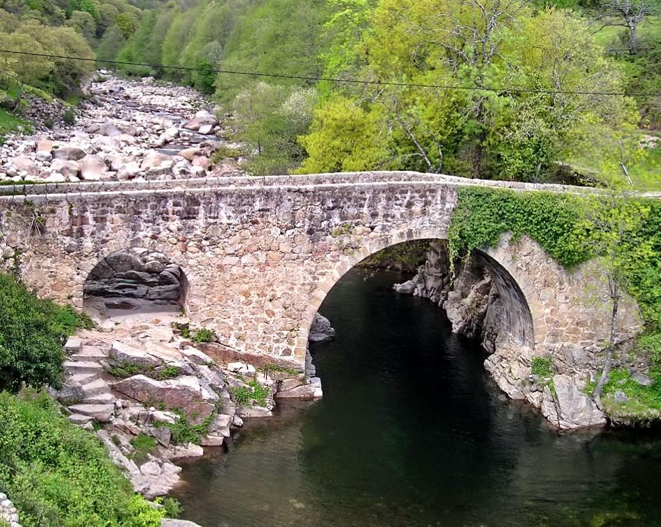 Losar de la vera c ceres garganta de cuartos puente for Piscinas naturales cantabria