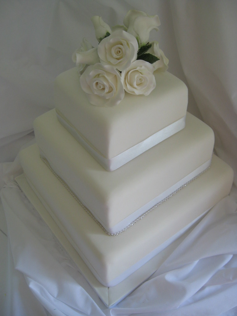 white square wedding cakes with flowers square wedding cake with sugar flower tadman 27326