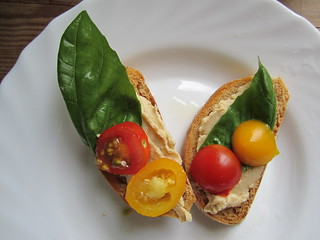 Tomato Bread with Hummus, Basil and Cherry Tomatoes | by veganbackpacker